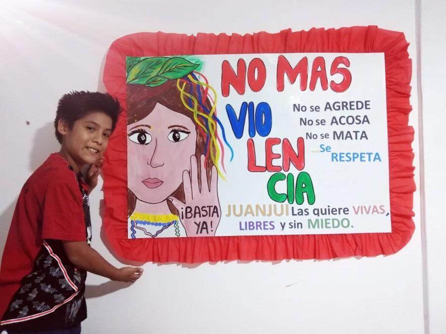 """RECONOCEN A ESTUDIANTES DEL CONCURSO DE PANCARTAS ALUSIVAS A LA CAMPAÑA REGIONAL """"SÀCALE TARJETA ROJA A LA VIOLENCIA"""""""